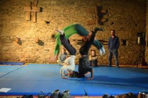 acrobaties-adultes-circ-à-pic-2-1024x683
